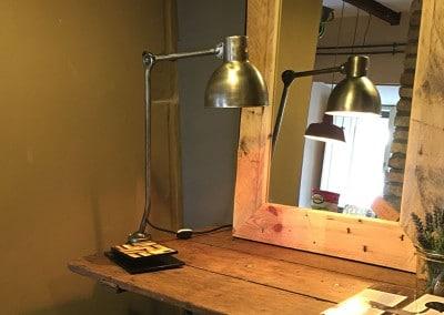 Lampada in ferro e specchio provenzale