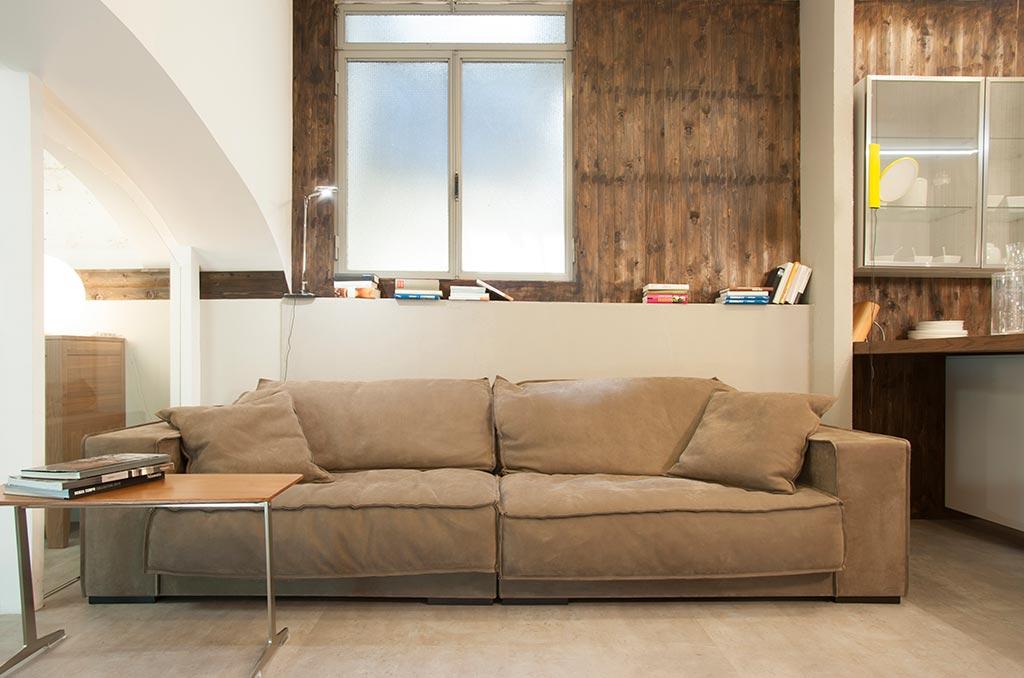 First houses negozio a roma su vetrineshop for Divano baxter budapest