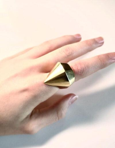 anello a diamante in ottone